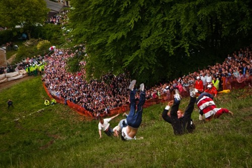 cheese-rolling (6)
