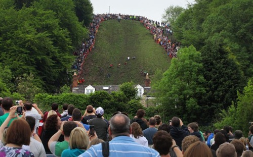 cheese-rolling (7)