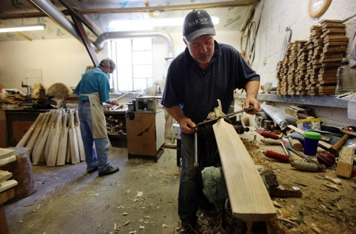 Inside A Cricket Bat Manufacturing Workshop Amusing Planet