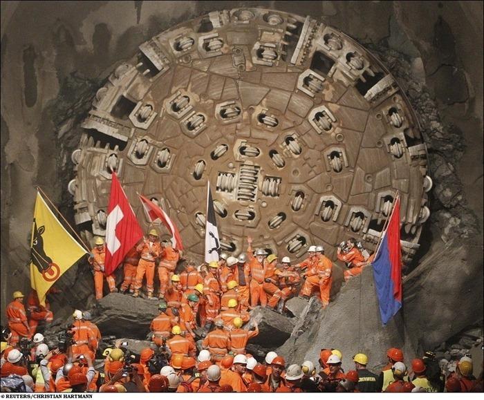 [Image: longest-rail-tunnel%20%2813%29%5B2%5D.jpg?imgmax=800]