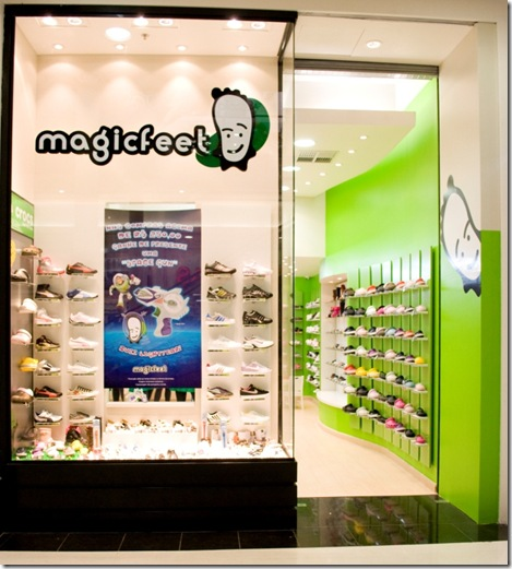 f6704d74c A Magic Feet, loja especializada em calçados para crianças de 0 a 12 anos,  desembarcou no Shopping Curitiba com os últimos lançamentos de marcas  consagradas ...