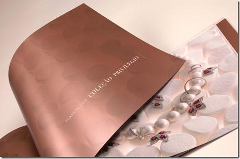 A nova coleção de jóias da Bergerson foi inspirada no planeta Terra e  algumas culturas da comunidade global. No desenvolvimento das peças foram  usados ... 056a856228