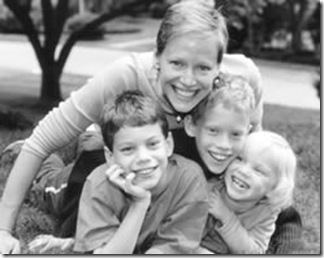 Patricia van Essche and her children