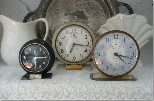 clocks via Konfetti