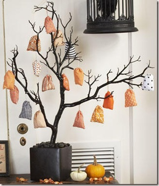 Mini-Treat-Bags-and-Tree_full_article_vertical (1)
