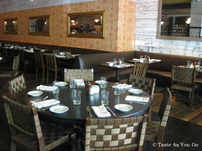 Almond-Restaurant-New-York-NY-tasteasyougo.com