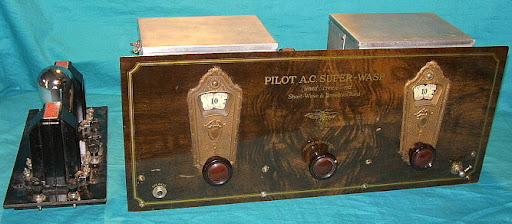 Pilot's Super-Wasp Receiver with a K-111 Power Supply