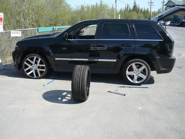 20 Inch And 22 Inch Rim Pictures Jeep Garage Jeep Forum