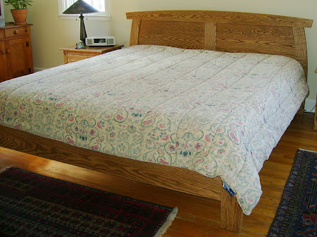 Haiku Platform Bed in Medium Oak
