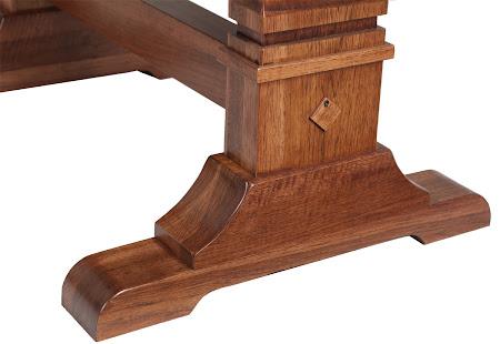 Tuscany Table Leg Detail in Autumn Oak