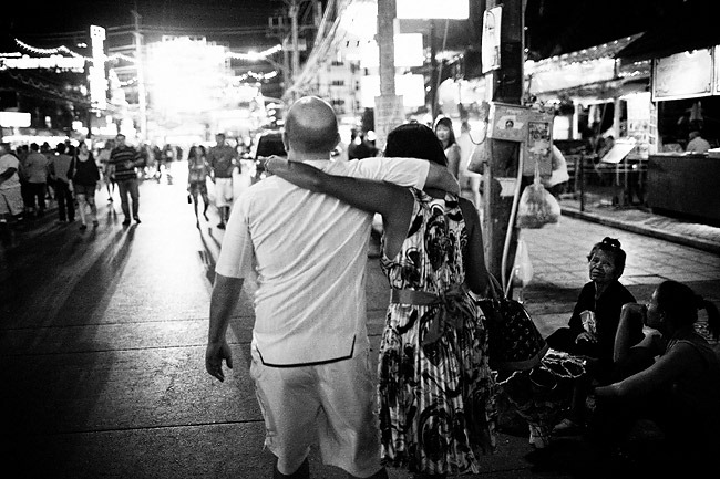 LOVE-AFFAIR---Patong---Thailand-2010-(People)---0008-