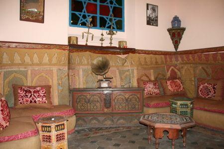 El diwan 21 dias en marruecos 5 t nger for Mobiliario marroqui