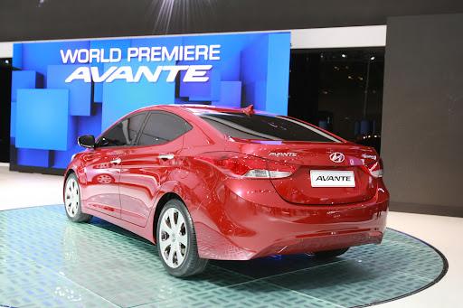 2011-Hyundai-Elantra-18.JPG