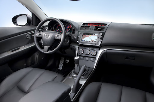 2010-Mazda-6-7.jpg