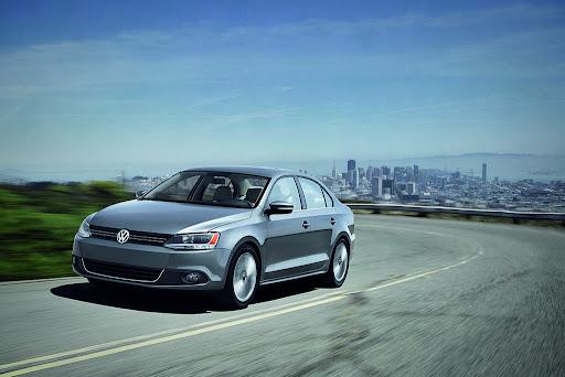 2011-Volkswagen-Jetta-9.jpg