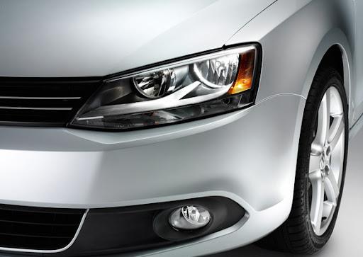2011-Volkswagen-Jetta-10.jpg