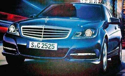 2012-Mercedes-C-class-01.jpg