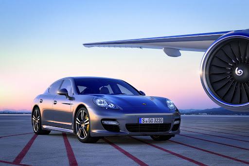 2012-Porsche-Panamera-Turbo-S-01.jpg