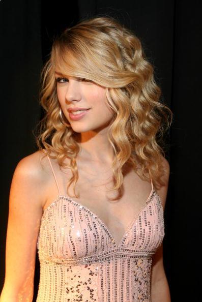Taylor Swift Triple Barrel Curling Wave