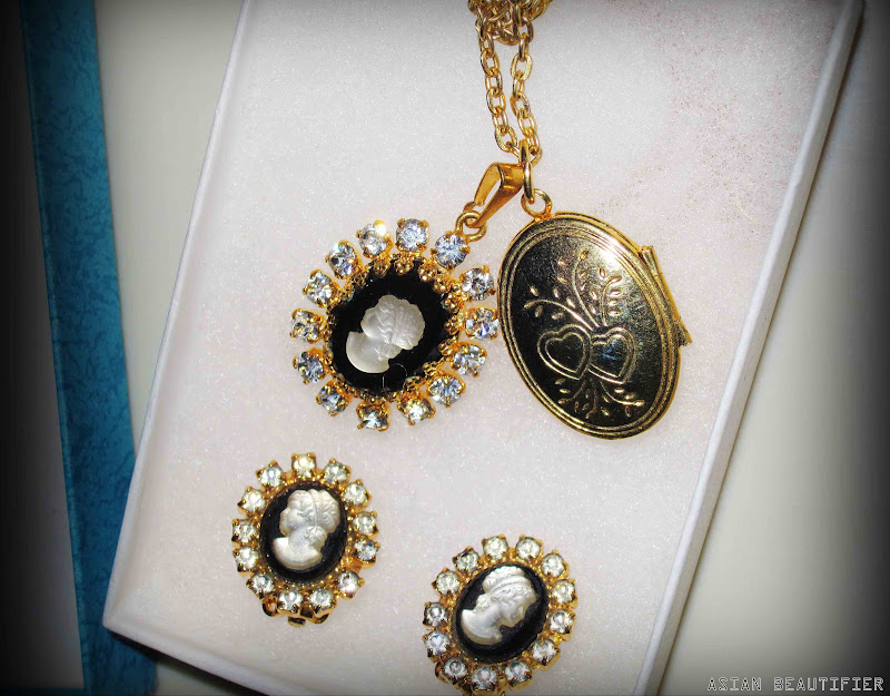 vintage Gold tone Onyx Mother- Of-Pearl Cameo and 14K Yellow Gold Heart locket
