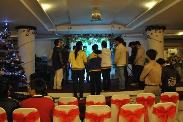 Cầu nguyện trước chương trình