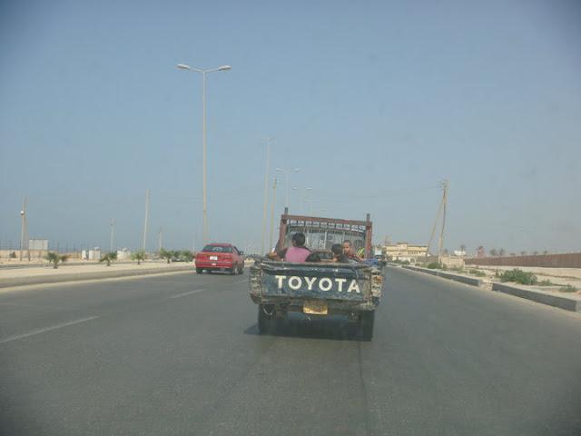 ( يحدث فقط في ليبيا ) 38840_448825627603_739542603_6676520_205748_n.jpg