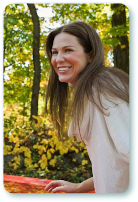 A happy Ohio woman in need of quick cash loans.