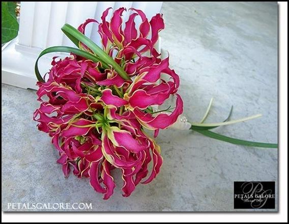 bouquet-126-lg petals galore