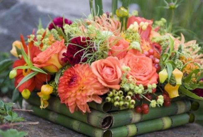 orange-dahlias-and-summer-flowers-detail-Françoise-Weeks