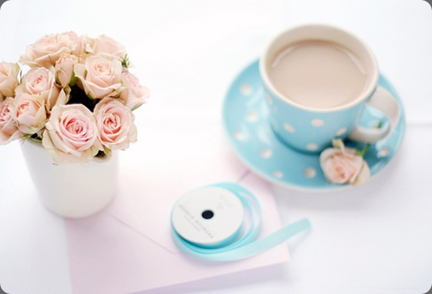 blue-white-polka-dot-tea-cup-pink-roses the sweetest occasion