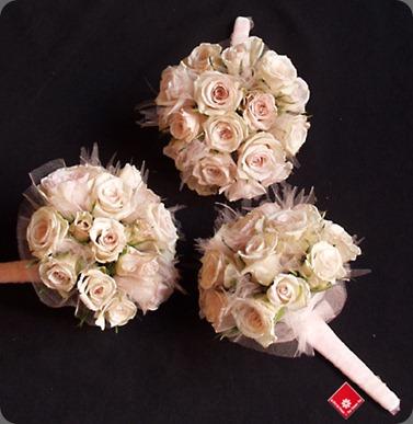 porcelina spray rose the flower pot