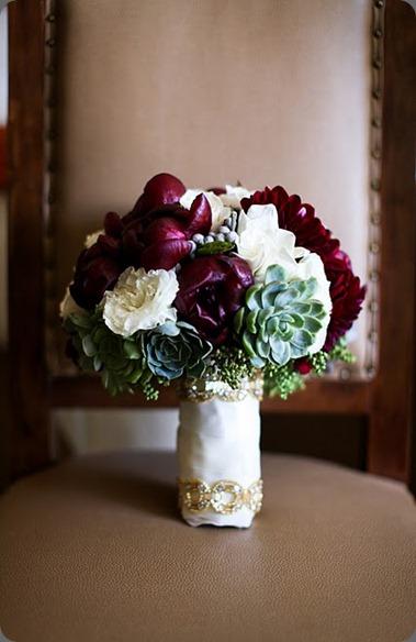 B 1  Bridal bouquet heavenly blooms