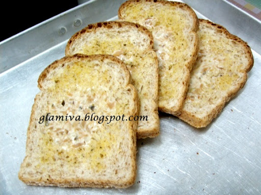 recipe garlic bread with tuna spread