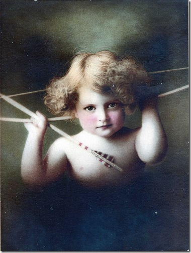 foto antiguo de cupido