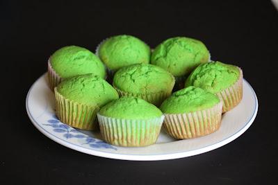 photo of a plate of Pandan Cupcakes