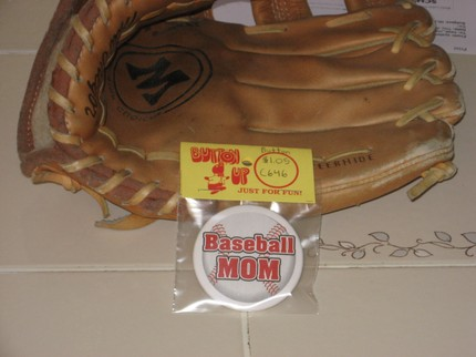 photo of baseball mom pin-back button