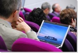 Stonehenge als inspiratie voor digitale duurzaamheid ... op de pc van Neil Beagrie die in september naar Nederland komt voor een expertsessie over kosten