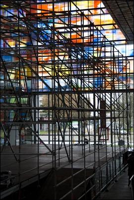 Het atrium van Beeld en Geluid in de steigers - binnenkort wordt hier vandaan de Top 2000 uitgezonden