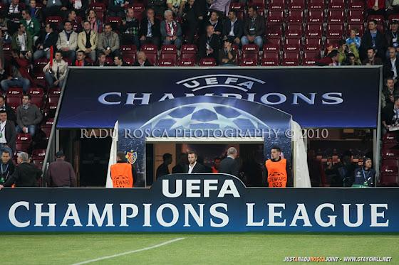 UEFA Champions League 2010/11. CFR Cluj - FC Basel 2-1 // Se aşteaptă intrarea echipelor pe teren