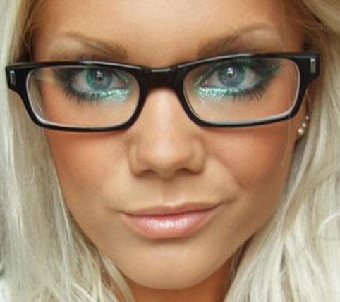 maquiagem com oculos