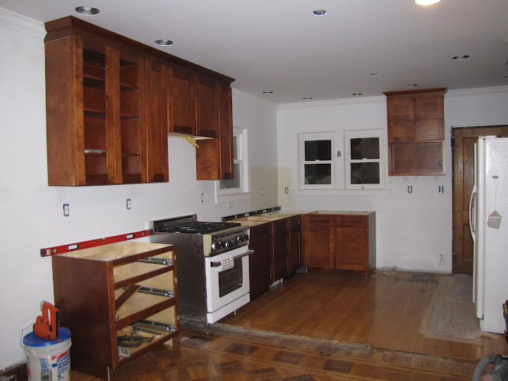 Kitchen Kabinet: Do your kitchen cabinets go all the way to ...