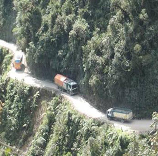 Bolivian Highway - Deadly Bolivian Highway - Trees, Mountains, Slopes, Trucks