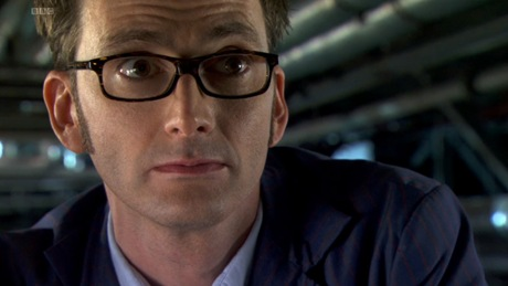David Tennant plays Doctor Who and he looks sexy as hell in these glasses
