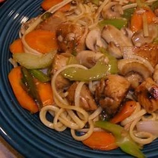 Family Favorite Chicken Lo Mein