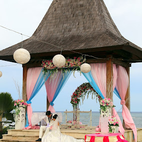 Blissful Moment by Leong Jeam Wong - Wedding Bride & Groom ( bali, wedding, pavilion, sea, couple, bliss )