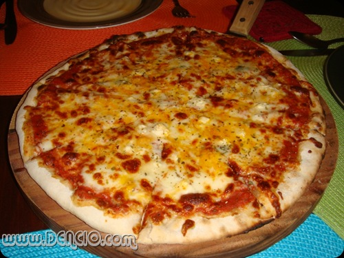 5-Cheese Pizza: Php395