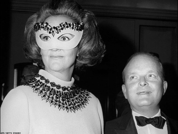 capote black and white ball