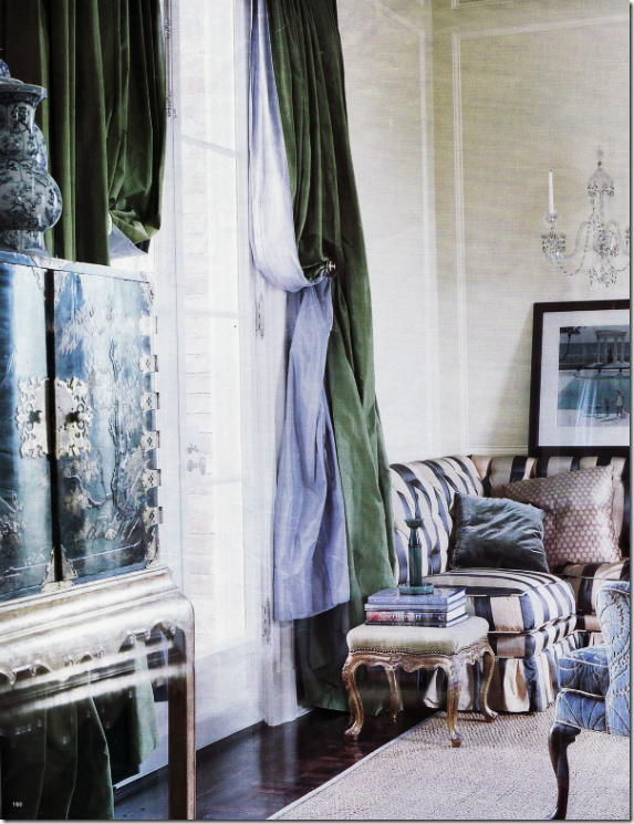Michael Smith Paired Green Silk With Blue Lining In This Living Room Many Designers Use Two Fabrics When Making Curtains The Will Usually Be