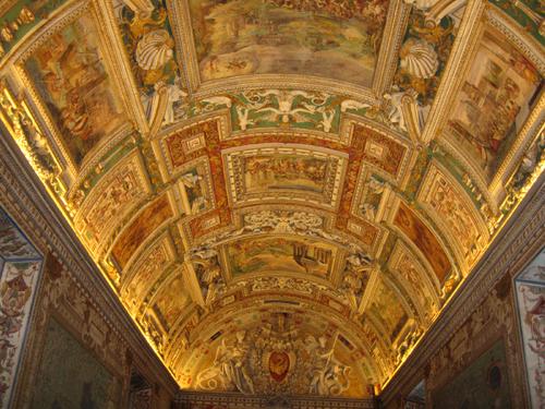 Các kiệt tác của Michellangelo và trên trần Tòa thánh Vatican