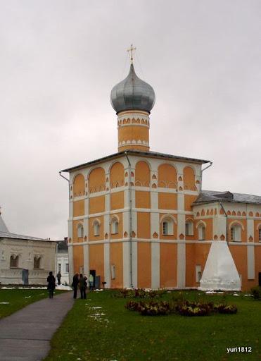 Хутынский Спасо-Преображенский монастырь Церковь прп. Варлаама  фото yuri1812